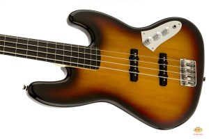 /squier_vintage_modified_jazz_bass_fretless_01