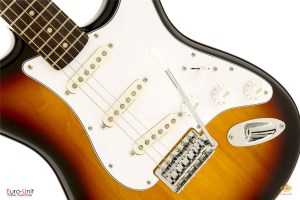 /vintage_modified_stratocaster_rosewood_fingerboard_3_color_sunburst