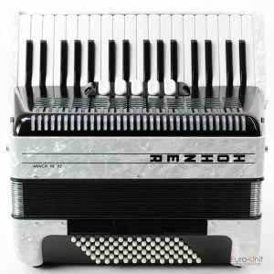 hohner_amicaiii_72_white_facelift_01